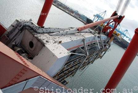Shiploader luffing boom structure alternative view
